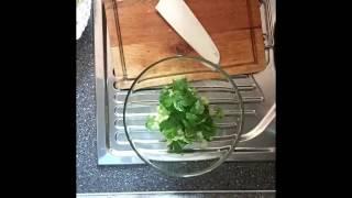 Салат с кальмаром.