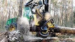 John Deere 1470D Harvester im Starkholz