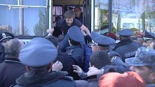 Ոստիկանական բաժիններ բերման էին ենթարկվել ութ տասնյակից ավելի ակտիվիստներ