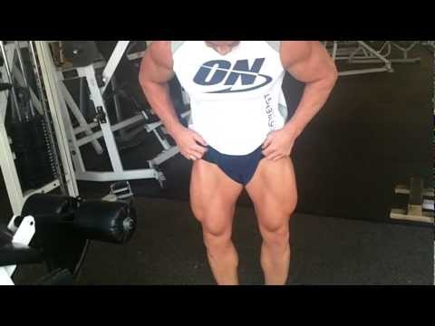 Jimbo Collins WNBF Pro performs Leg Extensions