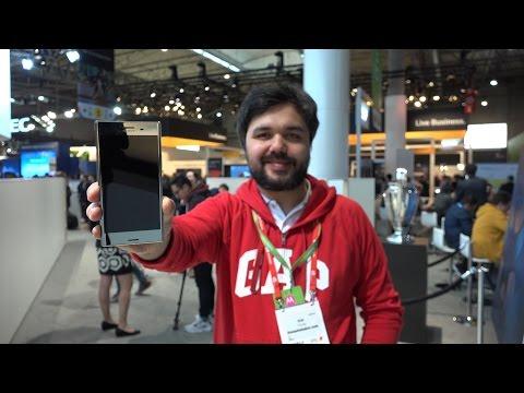 """Sony Xperia XZ Premium ön inceleme videosu: """"İlklerin telefonu"""""""