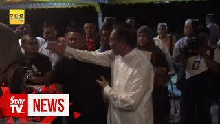 Anwar tells off media, says special prayer not related to politics