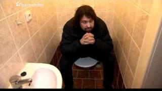 Prominenti : Jiří Pomeje exkluzivní zpověď na záchodě ( necenzurovaná verze)