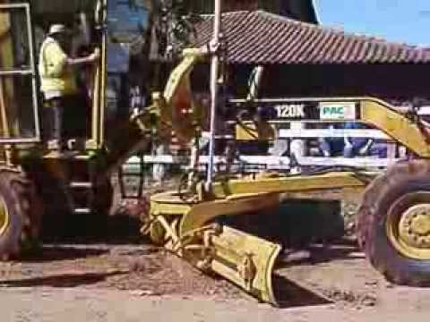 Motoniveladora Caterpillar 120K-Curso do PAC2