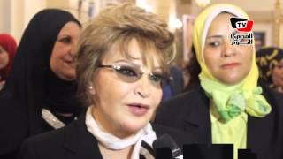 صفية العمري أم مثالية لعام 2016 .. ونشطاء يسخرون : « فيفي عبده حازت على اللقب قبلها »