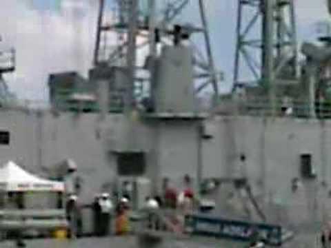 AUSTRALIAN NAVY HMAS ADELAIDE