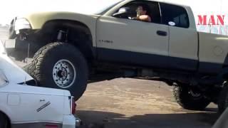 Авто приколы 2013 Avto Man #30(Множество невероятных происшествий и просто неожиданностей происходящих на дороге в 2012 году Авто видео..., 2013-07-16T08:21:58.000Z)