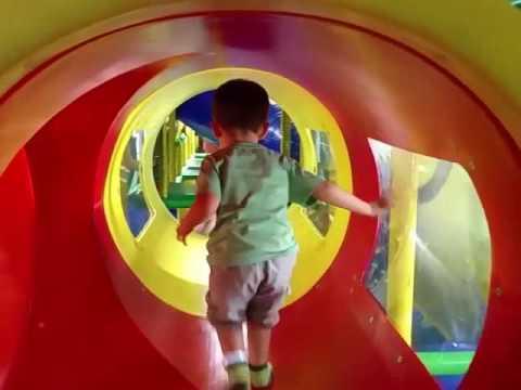 Baby Jak play indoor playground, slides, tunnels, balls