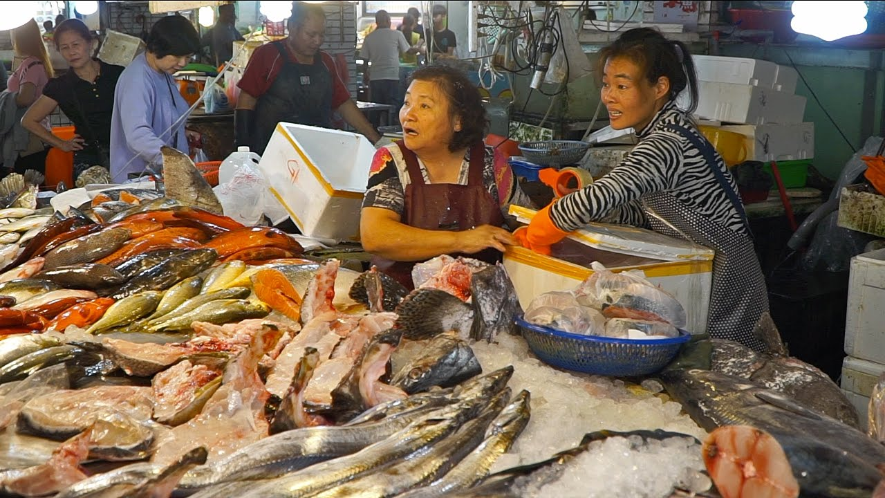 Amazing fish market in taiwan seafood tour in taiwan for Fish and seafood