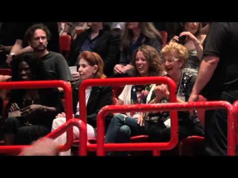 Bruce Springsteen - Bruce mother & sister- Wrecking Ball Tour 2012 - 5 juli 2012 - Bercy Parijs
