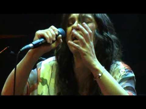 Elisa - 05 - Ho Messo Via (Live@Reggio Emilia 23.05.2011)