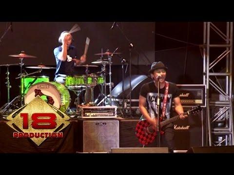 Endank Soekamti - Selamat Tahun Baru  (Live Konser Sragen 24 September 2014)