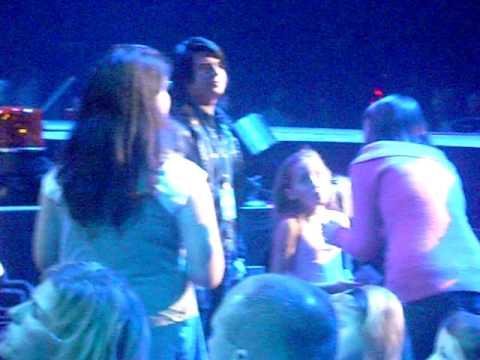 Noah Cyrus at Miley Cyrus concert