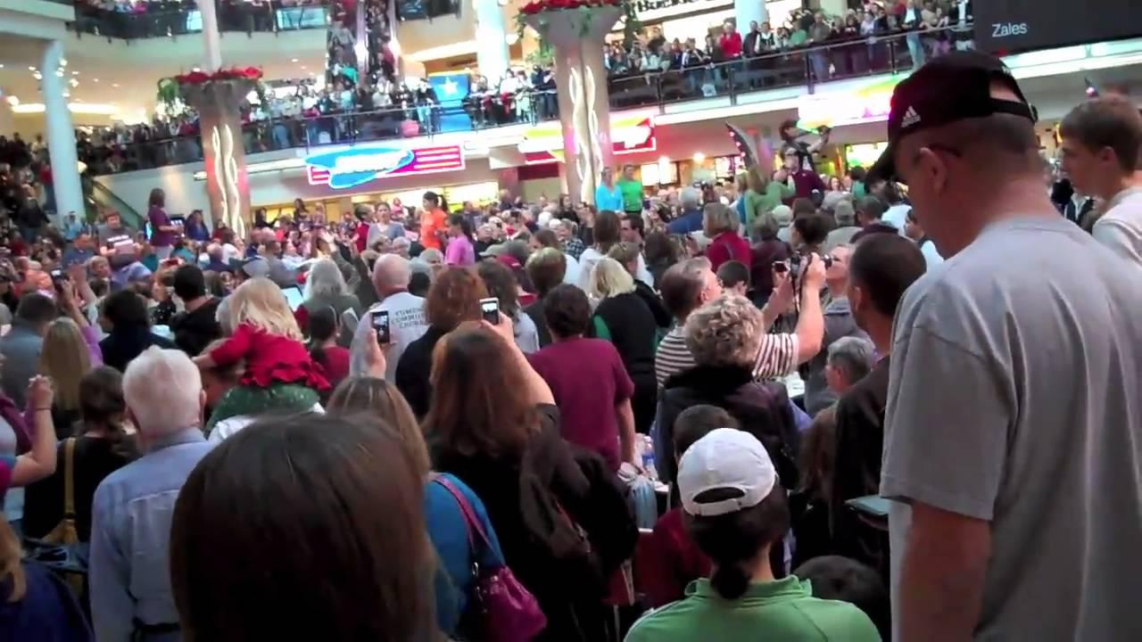 Christmas Flash Mob Southbay Galleria 2020 Christmas Food Court Flash Mob Hallelujah Chorus | Nmafpr