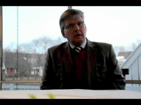 df8c4bc6a6be Vett och etikett - Mörk kostym och Kavaj som klädkod.AVI - YouTube