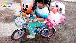 Bermain Sepeda Bersama Balon Karakter