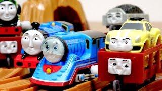 2019年最初のカプセルプラレール 映画きかんしゃトーマス GO!GO!地球まるごとアドベンチャー 小さなレーシングカーのエース登場編☆Thomas&Friends thumbnail