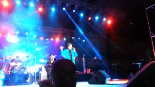 Gambar cover Udit Narayan - Main Yahaan Hoon (Veer-Zaara) Live in Trinidad 2013