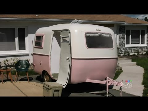 'DIY Mom' in N.S. turns this old trailer into dream vacation space