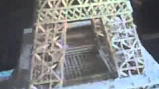 Menara Eiffel Dari Batang Kayu Kecil