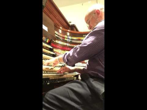 How Great Thou Art. Played by Fred Haas on the Wanamaker Organ in Philadelphia.