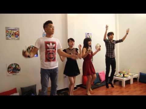 Alvin Ichi chơi nhảy cực vui ^^