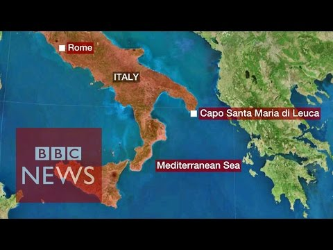 'We're without a crew': 400 migrants on-board cargo ship