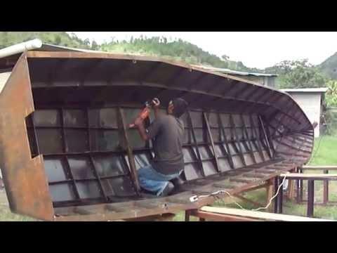bote de metal para rio . danlicityhn