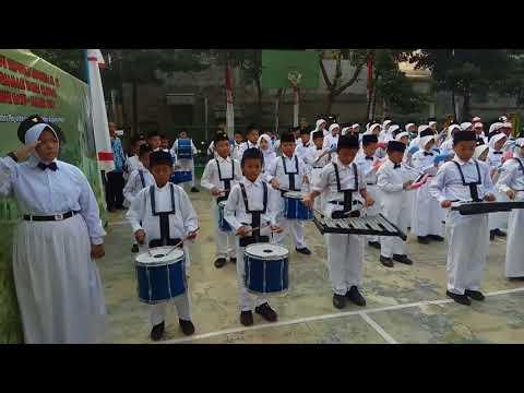 Iringan Musik Indonesia Raya oleh Tim Marching Band SDN Sumur Batu 01