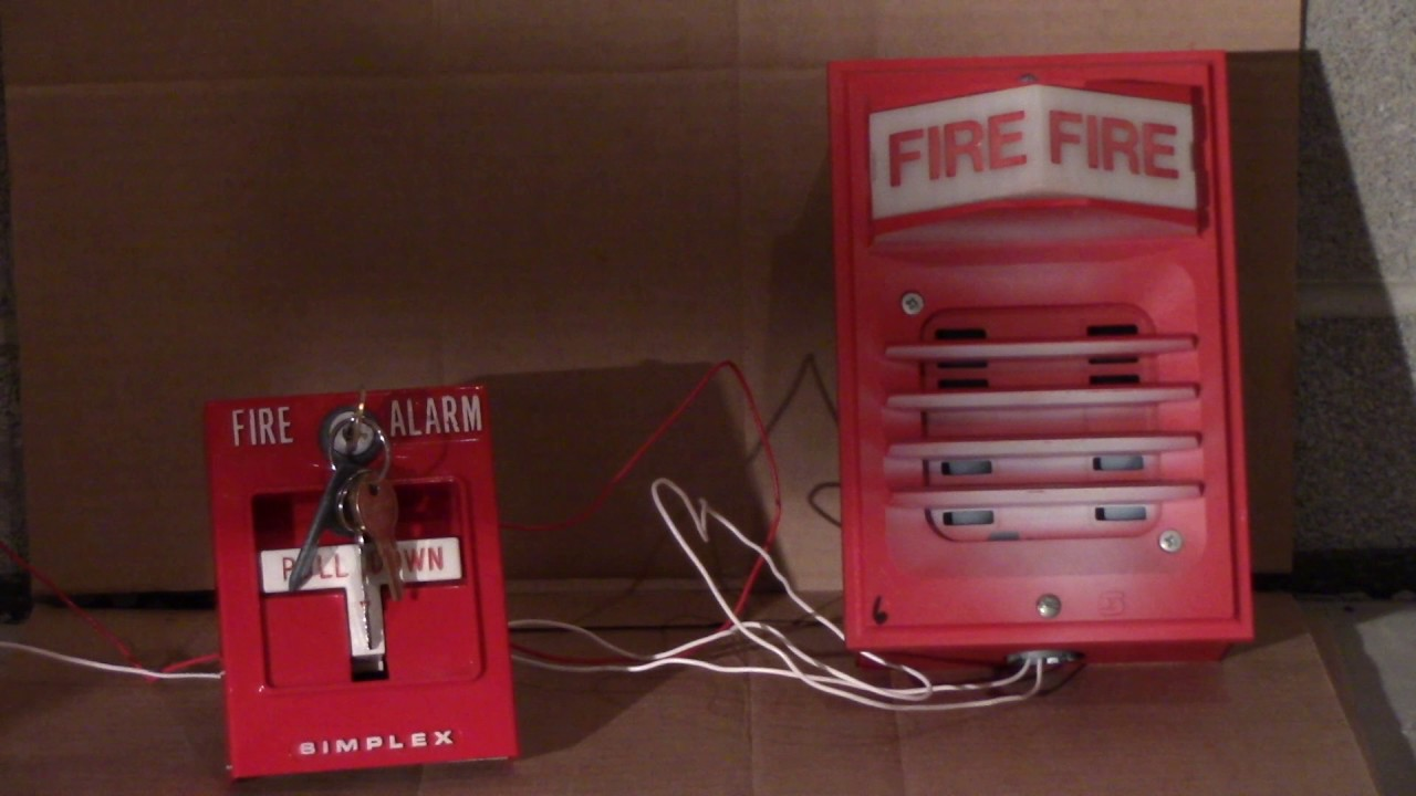testing the old simplex fire alarms from the old school [ 1280 x 720 Pixel ]