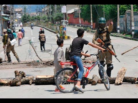 কাশ্মীর: নিরাপত্তা বাহিনীর গুলিও দমাতে পারেনি যাদের