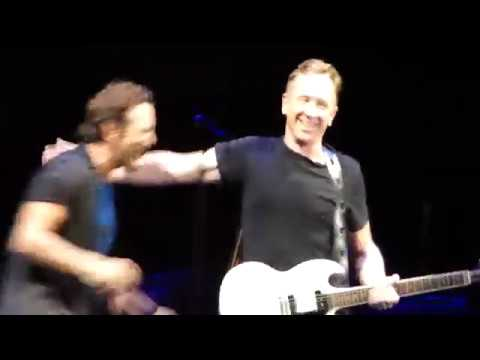 Pearl Jam - Taillights Fade w/Bill Janovitz - Fenway Park (September 2, 2018)