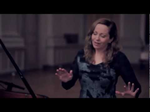 Anneke Van Giersbergen & Danny Cavanagh - Leaves (Off The Record)
