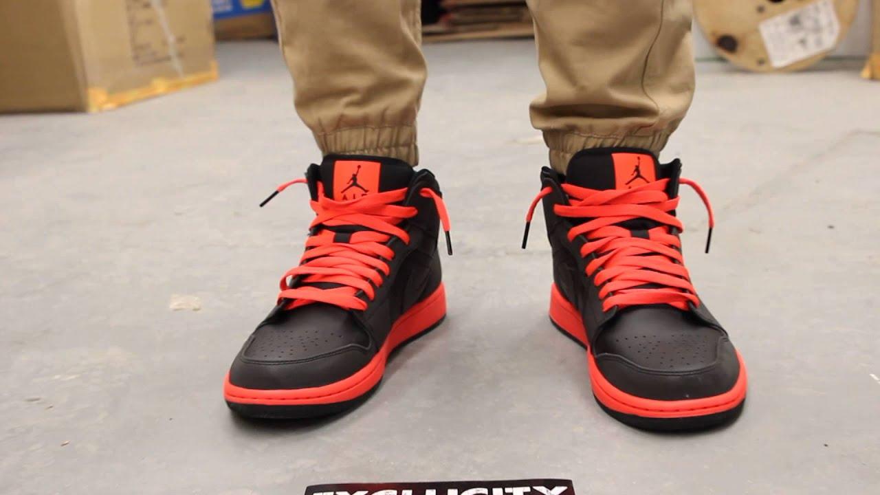 d3a78dd3b5dc Air Jordan 1 Mid