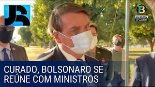 Curado da covid-19, Bolsonaro retoma rotina e tem reunião com Paulo Guedes