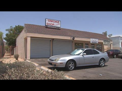 Police find man dead inside smoke shop in Phoenix