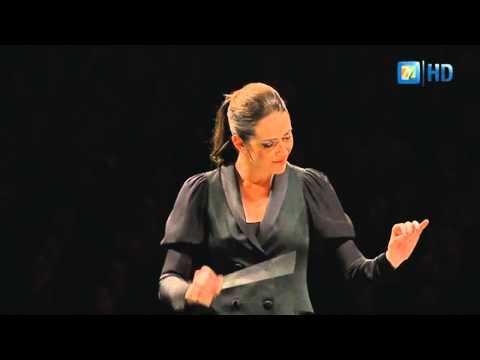 Danzón No. 2 - Alondra de la Parra dirigiendo la POA, de Arturo Márquez HD (True sync)
