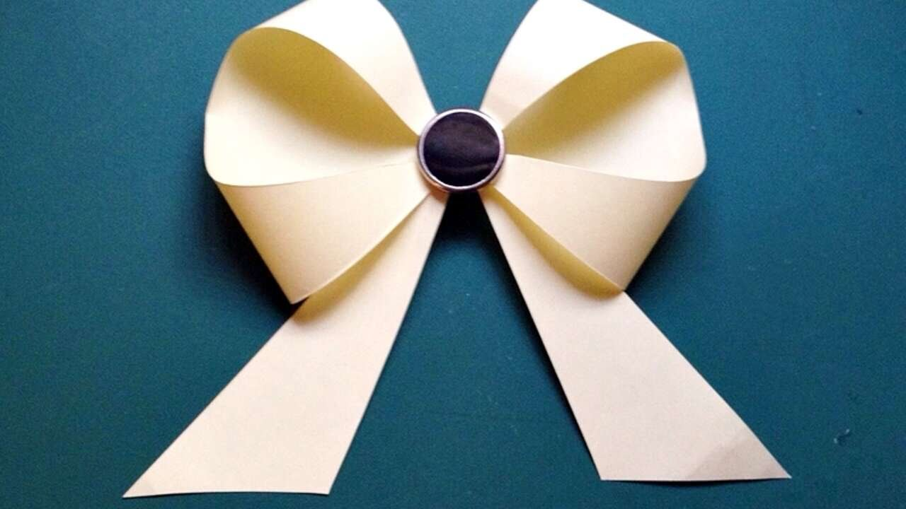 How to make a bow of paper