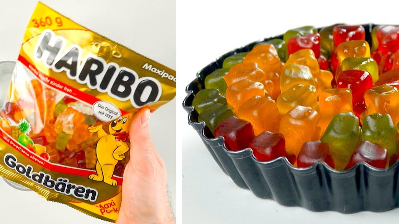 Triez les oursons en gélatine par couleur et versez du jus de citron dessus : délicieux !
