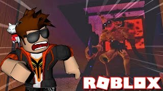 TRAPPED IN A HOUSE WITH AN EVIL BANANA BOY ! -- ROBLOX DARKENMOOR
