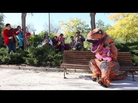 BALKAN BOMBA - T-Rex \\ Videoclip Oficial