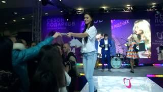 Анна Хилькевич и Стас Ярушин: День всех влюблённых в шоппинг