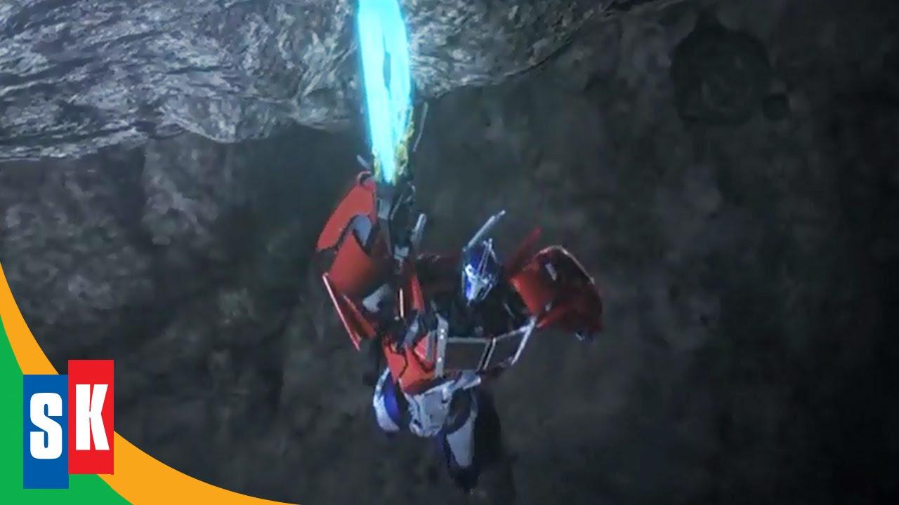 Optimus Prime's Close Call - Transformers Prime: Ultimate Autobots