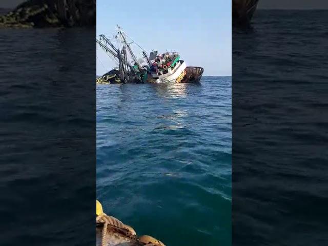 Lancha SUSAN VI, a pique en Malabrigo tras chocar con la embarcación INCAMAR 1 - Parte 1
