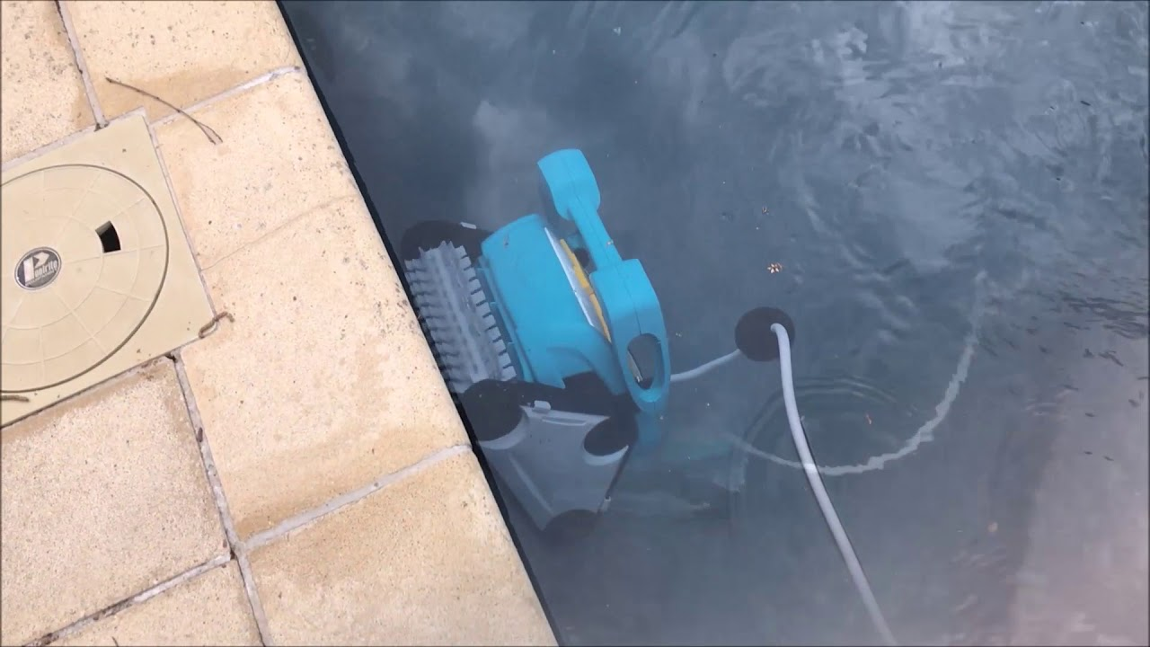 Baracuda Captura Robotic Pool Cleaner Review - From Bunnings