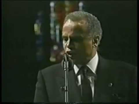 Jim Henson Memorial 'Turn The World Around' Sung by Harry Belafonte