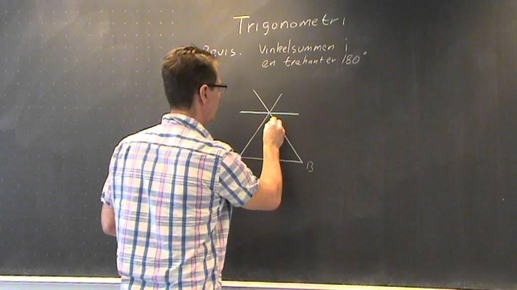 Vinkelsummen i en trekant Bevis