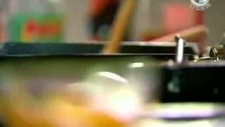 Тёплый салат с огурцами и беконом Сычуанская кухня.