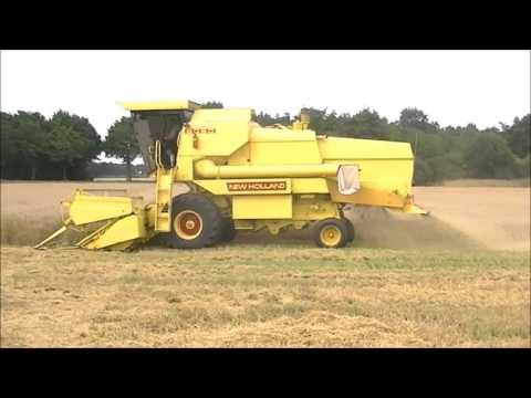 threshing barley with New Holland Clayson 8050