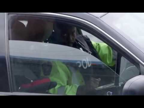 Police catching peopke texting or using phone while driving